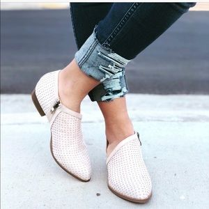 Shoes - Stone/Off white perforated side cut flats
